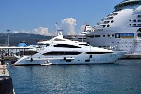 Summit-Yachts